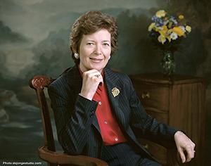 Mary Robinson Headshot